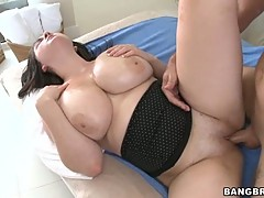 Hot to fuck Milf jamming fat dick deep in moist twat