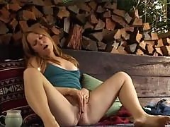 Girl in the shed masturbates her clit